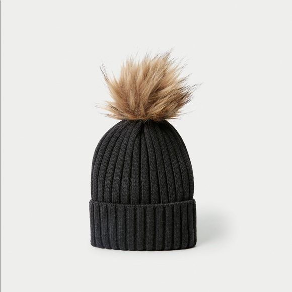 100% Merino Wool Beanie Auxiliary Aritzia